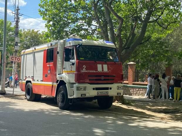 Студентов КФУ экстренно эвакуировали после сообщения о минировании