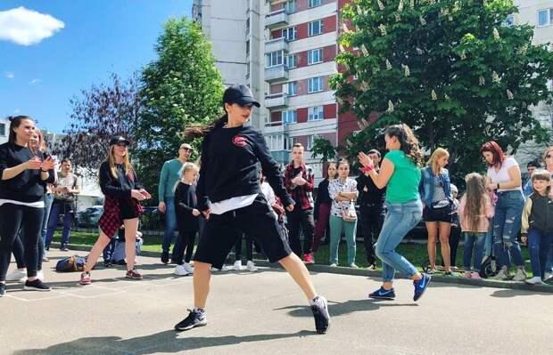 Танцуют все: парк на Новотушинском приглашает на мамбо и меренге