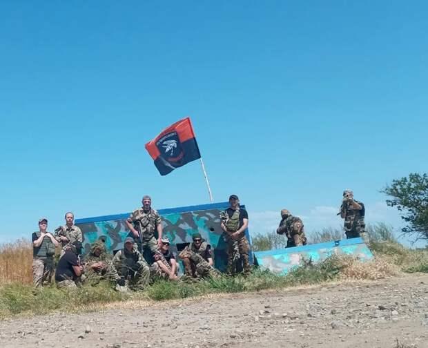 Шапито под вывеской «крымской платформы». Посол Белоруссии посетил антироссийское мероприятие