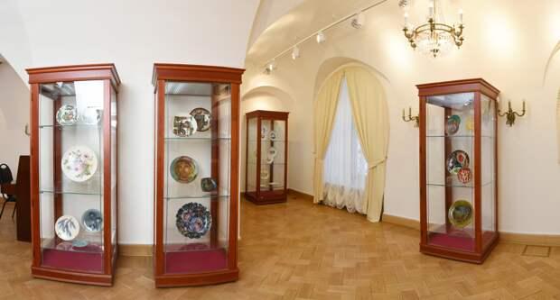 Тарелки – произведения искусства – ещё можно увидеть в Тверском императорском дворце