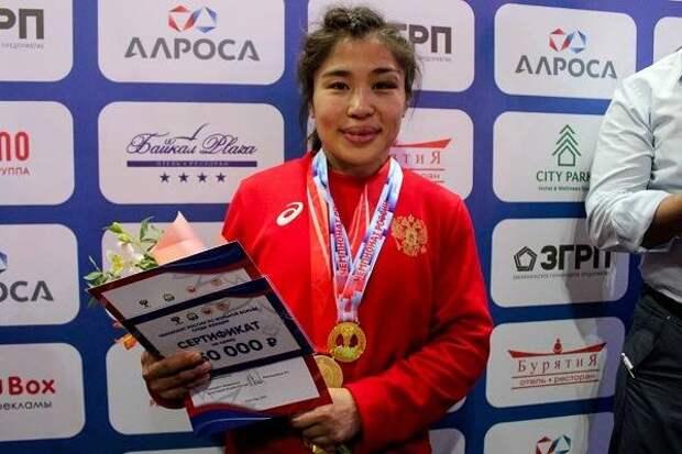 «Два золота, два серебра и три бронзы»: В Улан-Удэ завершился чемпионат России по вольной борьбе среди женщин