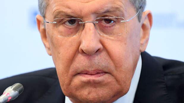 Лавров предупредил об опасности применения силы и санкций в обход ООН