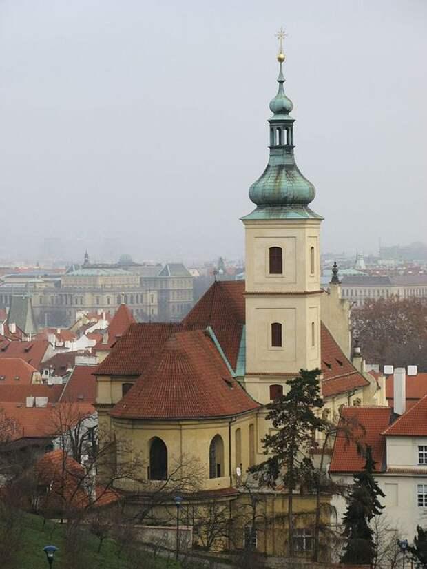 768px-Kostel_Panny_Marie_Vitezne_v_Karmelitske_z_Petrina (525x700, 58Kb)
