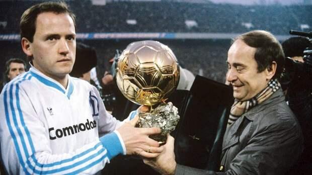 ВСССР играл лучший футболист мира: Беланов начинал настройке, апотом получил «Золотой мяч»