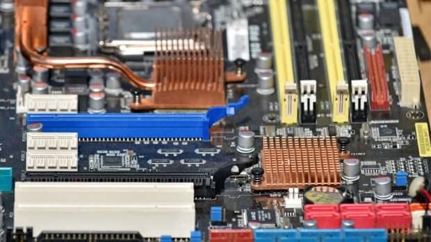 Началось производство первых российских материнских плат на чипсете AMD B450