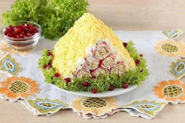 Салат «Монастырская изба» из крабовых палочек
