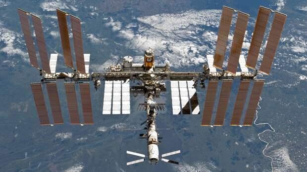 """Роскосмос исключил """"усталость металла"""" из версий появления трещин на МКС"""