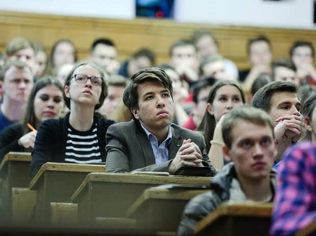 Глава РАН заявил о падении качества подготовки выпускников вузов