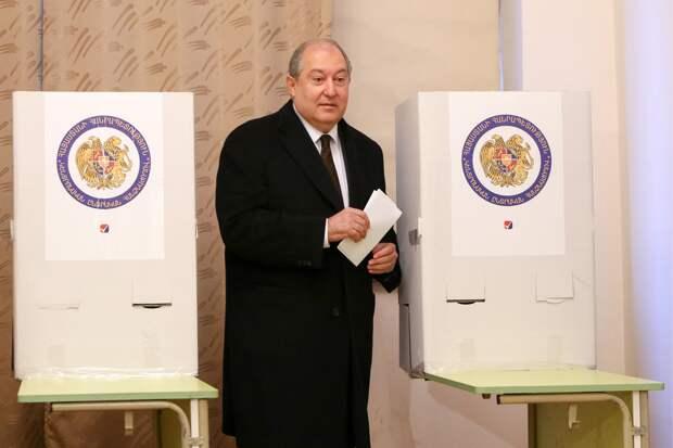 Президент Армении назначил дату досрочных парламентских выборов
