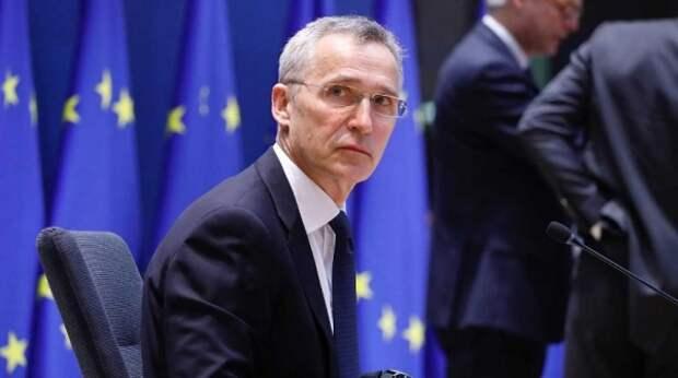 НАТО угрожает России усилением группировки у ее границ