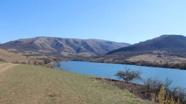 Аксенов объявил об окончании острого дефицита воды для населения