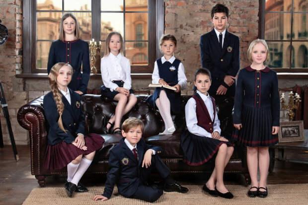 Многодетные семьи Крыма получат субсидию на покупку школьной формы