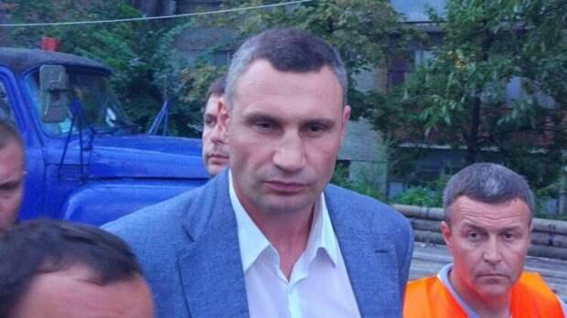 Политолог объяснил давление на Кличко со стороны центральной власти