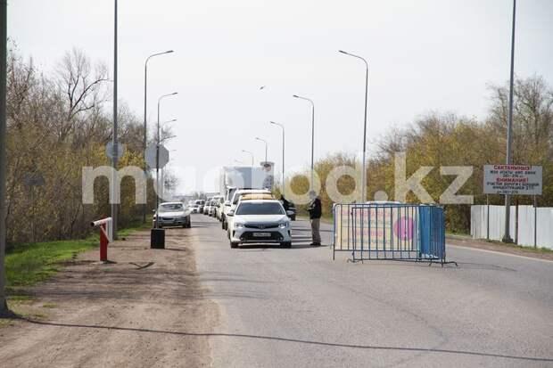 В ЗКО отменили запрет на передвижение после полуночи и уберут блокпосты