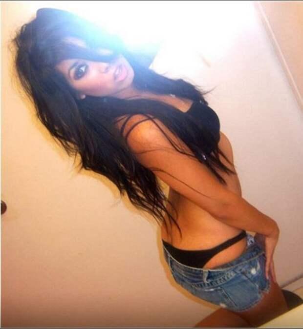 Красивые девушки в коротких шортиках (43 фото)