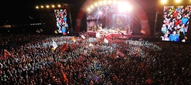 Из-за ковида концерты отменяют не только в Петербурге, но и во всем мире