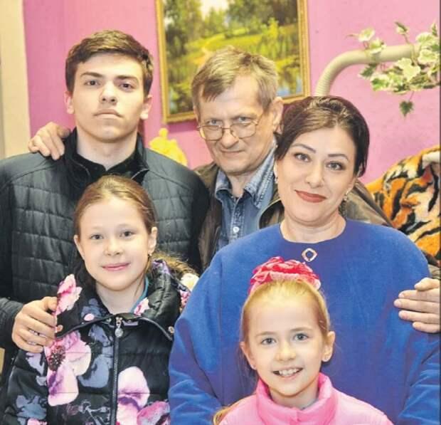 Супруги из Северного спасли пожилого человека
