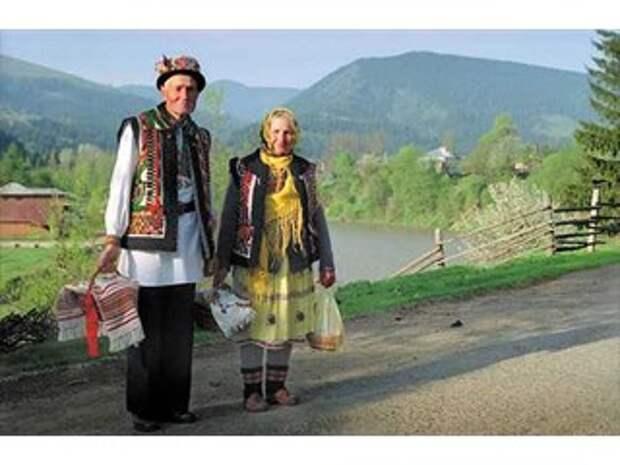 Дикари с филижанками: что кроется за мифом о культуре западных украинцев