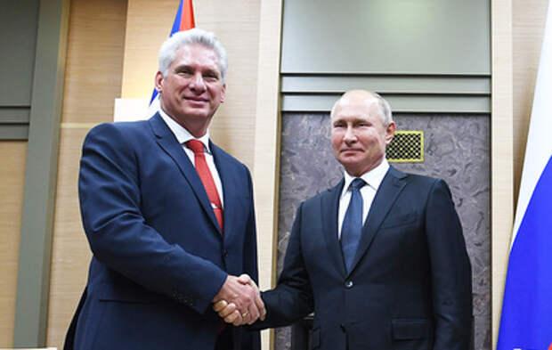 Путин поздравил преемника Рауля Кастро с избранием