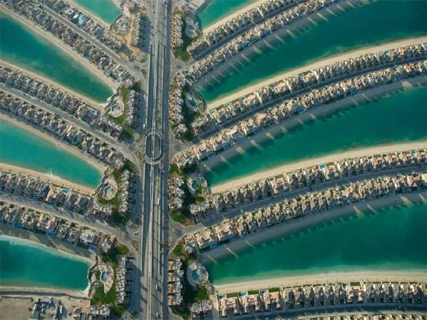 The Palm Jumeirah остров пальма Дубай фото