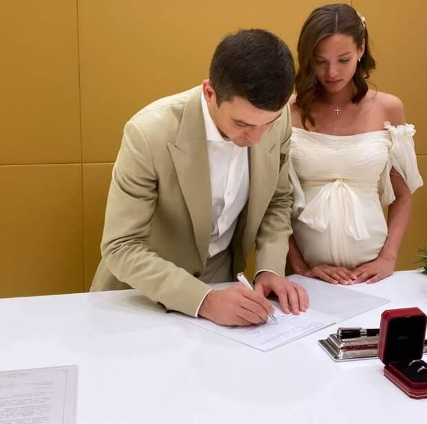 Алеся Кафельникова впервые показала фото со свадьбы