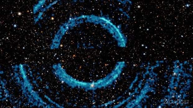 NASA показало снимки гигантских колец вокруг черной дыры