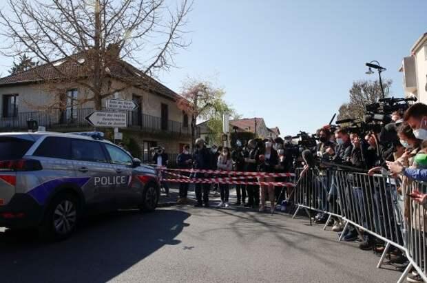 Во Франции неизвестный убил сотрудницу полиции