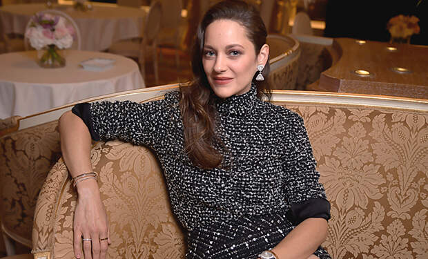 Марион Котийяр представила в Париже авторскую коллекцию украшений