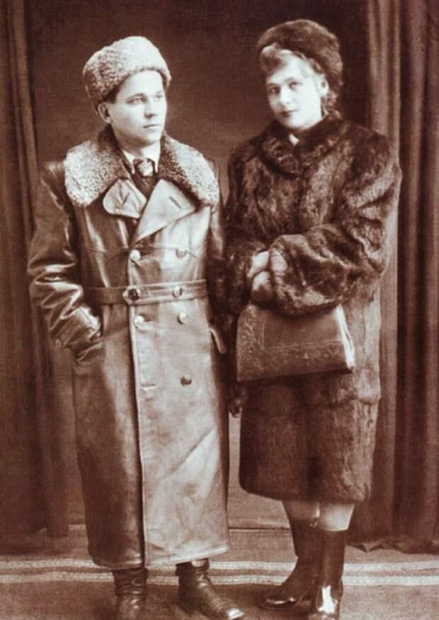 Михаил и Екатерина Калашниковы. / Фото: www.izdania.unatlib.ru