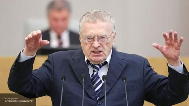 Жириновский утверждает, что до конца года Беларусь войдет в состав России