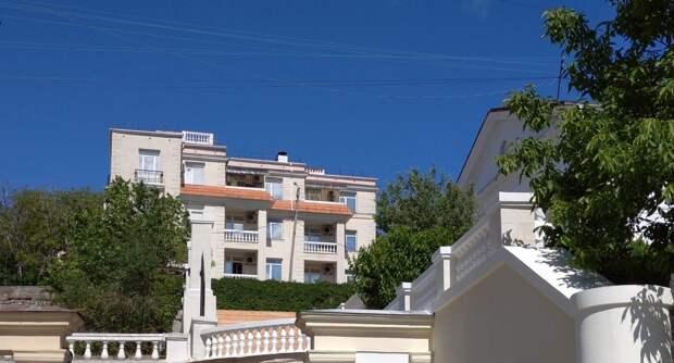 Купить жилье в Севастополе могут военные, моряки и материковые россияне