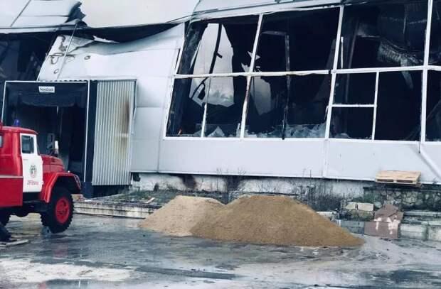 Пожар в столице: из горящего склада вытекло более 40 литров ацетона