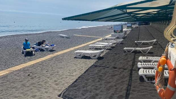 Республиканское министерство курортов и туризма проверило готовность пляжей Большой Алушты