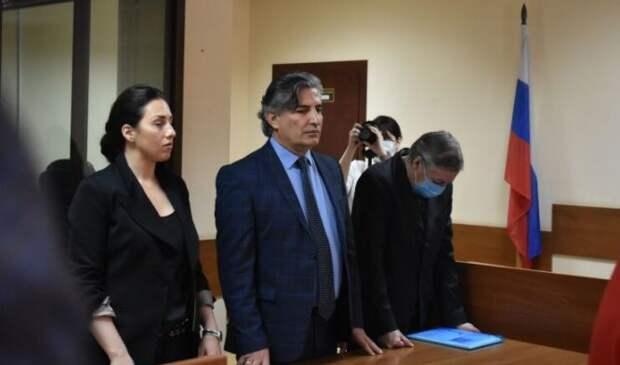 Жена жертвы ДТП с Ефремовым может предстать перед судом