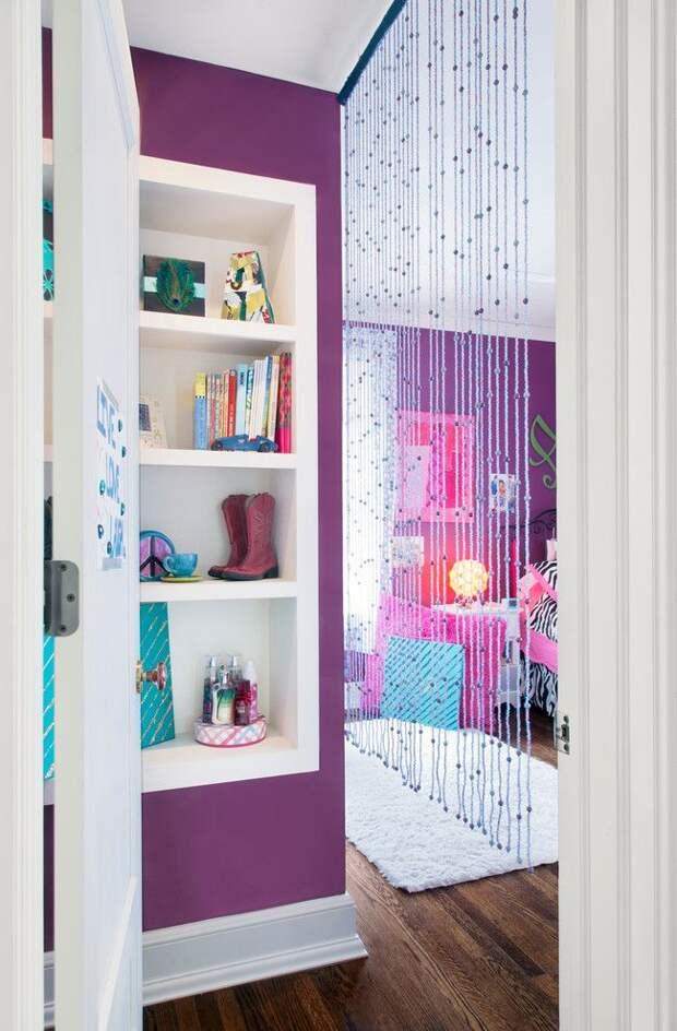 Занавески из бусин, выполненные своими руками, станут отличным украшением детской комнаты