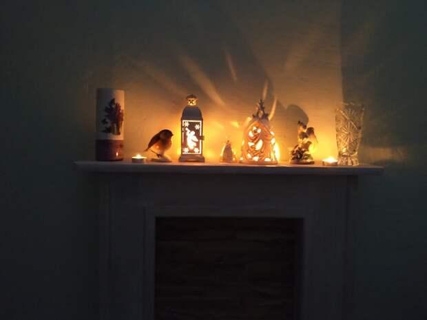 Свет, цвет, форма. Фальш-камин, консоль, свечи