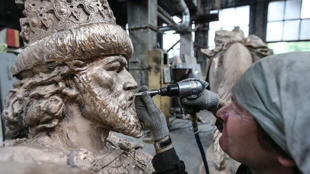 Сегодня откроют первый в России памятник Ивану Грозному