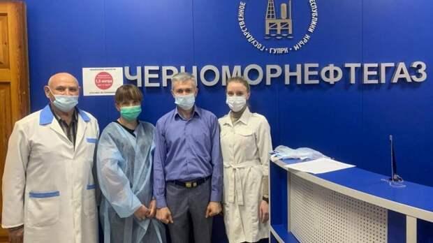 Симферопольская поликлиника №5 активно проводит выездную вакцинацию трудовых коллективов против COVID-19