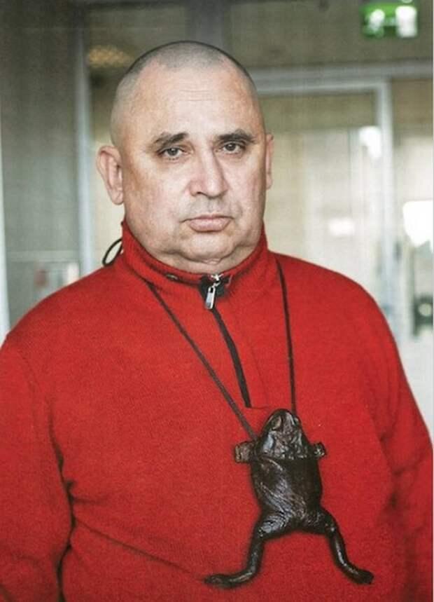 Бизнесмен Андрей Трубников посадил себе на шею жабу