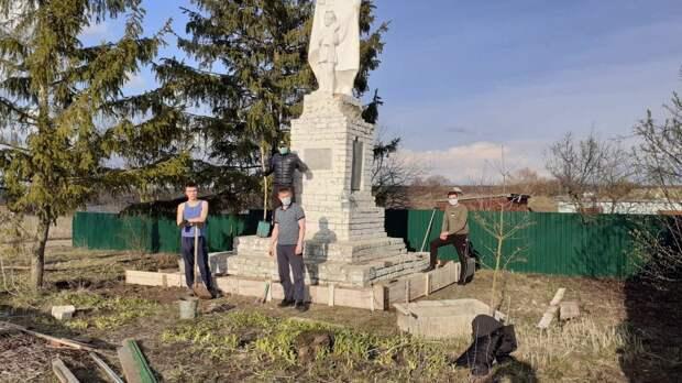 Активисты привели в порядок памятники воинам Великой Отечественной войны в нижегородских деревнях