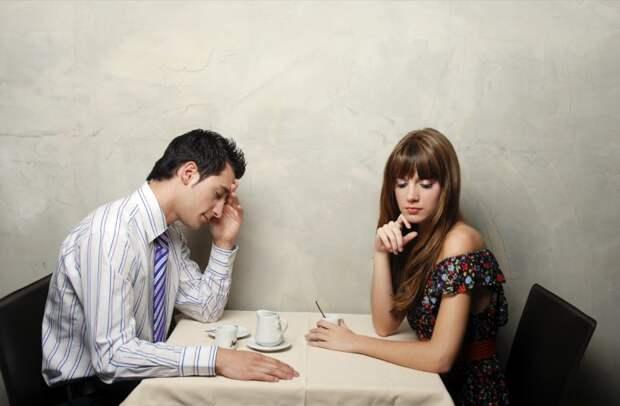 Восемь глупых поступков, которые каждая девушка совершает на первом свидании