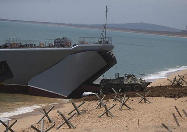 Морские пехотинцы Черноморского флота завершили погрузку на десантные корабли после окончания учения