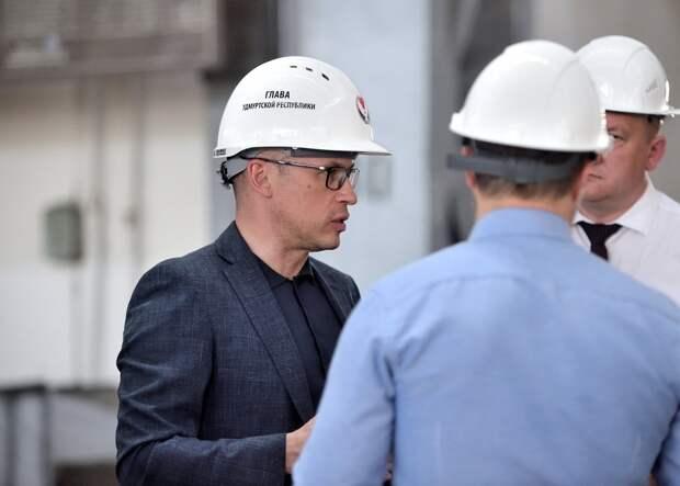 Александр Бречалов предложил Илону Маску разместить в Удмуртии завод «Тесла»