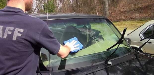 Как самостоятельно иочень дешево убрать царапины настеклах машины