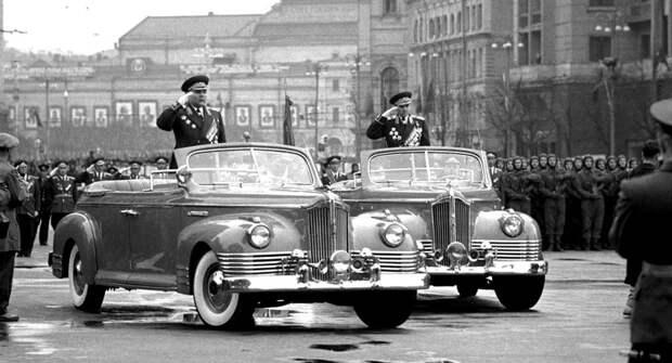 Автомобили, принимавшие участие в параде Победы с 1950-х годов