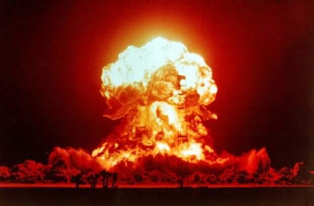 Баранец посмеялся над ядерными мечтами Киева, напомнив о 90-х...
