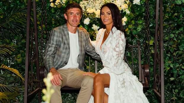 Жена футболиста сборной России Жиркова назвала главный недостаток мужа