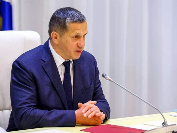 Трутнев призвал использовать опыт Москвы в развитии школ со спортивным уклоном
