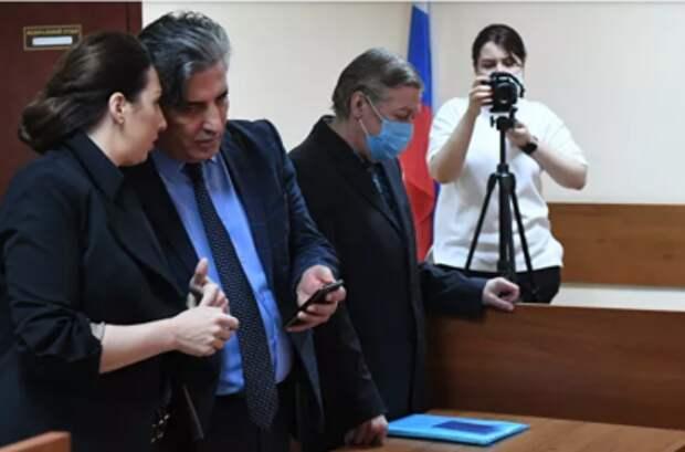 Михаил Ефремов приговорён к 8 годам колонии