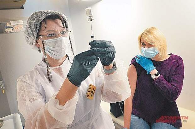 В ГД внесли проект о включении в календарь прививок вакцинации от COVID